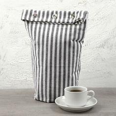 Cafetière Cosy from Vivi Gade Design Tea Towel (the Paris Series) Sustainable Living, Triangles, Sewing Hacks, Tea Towels, Diy And Crafts, Diys, Paris, Quilts, Simple