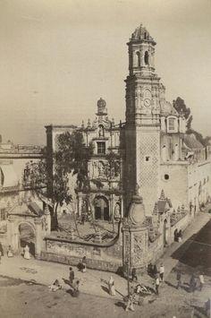 Templo de San Hipolito y San Casiano/San Judas Tadeo.  Inicio de su construcción 1559 concluyendose a finales del siglo XVII.  De estilo barroco neoclasico. Abel Briquet s. XIX