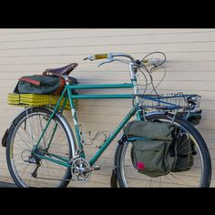 this might be one of my favorite bikes I ever laid eyes on. it's going touring in kiwi kountry for a while. full size photos are on the blug by rivbike Touring Bicycles, Touring Bike, Vintage Cycles, Full Size Photo, Camping Coffee, Fat Bike, Cool Bikes, Triathlon, Inventions