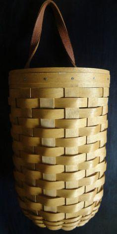Longaberger Large Gatehouse Basket Wall Hanging #Longaberger #LongabergerBasket #ConshyConsignment