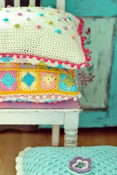 Inspiration :: Polka-dot pillow by Agnieszka of Blue Cottage . . . . ღTrish W ~ http://www.pinterest.com/trishw/ . . . . #crochet