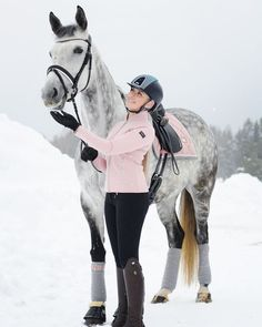 d9f604641 You shine through the ice ❄ ❄ #equestrian #horse #equestrianperformance  Horse