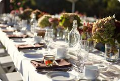 simple rustic outdoor wedding hydrangea centerpiece 3