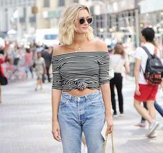Sokaklarda Bu Yaz Trend Çizgili Kıyafetler ve Kombinler