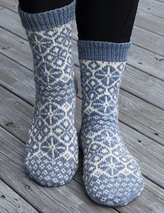 Ravelry: The Sister Socks pattern by Aud Bergo Wool Socks, Knitting Socks, Hand Knitting, Knitting Patterns, Georgy Girl, Owl Hat, Stocking Tights, Knit Picks, Finger Weights