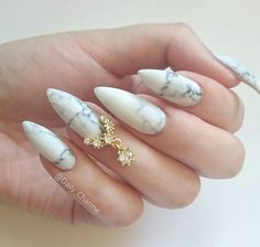 Love this marbled nail raps