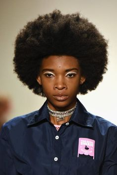 Fashion: crystal choker is (again) the must have accessory (The Blonde Salad) Runway Fashion, Fashion Show, Runway Hair, The Blonde Salad, Black Girl Makeup, Crystal Choker, Makeup Trends, Black Girl Magic, Must Haves