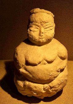 Fertility Mother Goddess - circa 5000 BC, ancient fertility goddess found in a neolithic culture of Çatalhöyük in Turkey