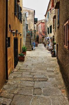Girovagando per Giglio Castello, Isola del Giglio ♠  foto di MV03041951