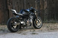 "Honda CBR 600 F2 Street Fighter ""The Mandalorian"" by Ian Halcott"