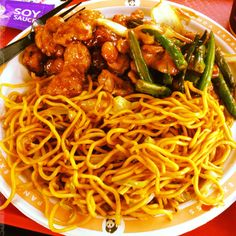 Orange chicken, string beans & chow mein