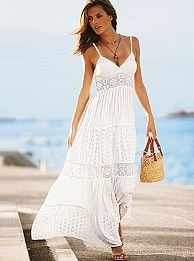 White casual maxi for a day out on the beach board walk.  #fashion #maxi #summer