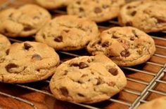 These chocolate chip cookies are the best. They have just the right amount of chocolate and are just so chewy! Everyone seems too love these cookies that are just chewy and sweet enough! Homemade Chocolate Chips, Homemade Chocolate Chip Cookies, Sugar Free Chocolate Chips, Perfect Chocolate Chip Cookies, Gluten Free Chocolate, Delicious Chocolate, Diabetic Chocolate, Vegan Chocolate, Making Chocolate
