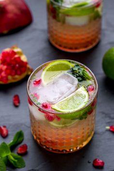 A Christmas Mojito #cocktails #DIY #mojito