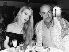 10 Amazing Pictures of Jerry Hall Hanging Out With Cool People