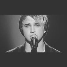 Instagram media by daltonrapattoni - I don't care if I sing off key. Thank you @americanidol thank you @siathisisacting and thank you to every single one of you who votes tonight