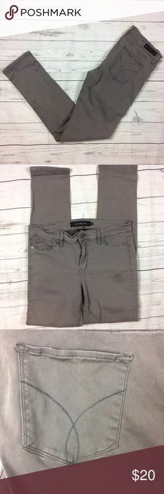 """🆕 Calvin Klein Jeans Stone Skinny Jeans Size 6 17"""" waist laying flat across. 9"""" rise. Apx 31"""" inseam. Spot on front left leg. (Pictured) Calvin Klein Jeans Jeans Skinny"""