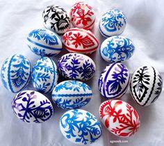 AGNUSEK - Danuta Sroka - Pisanki drapane, batikowe, wycinanki i inne Easter Traditions, Doodle Art, Easter Eggs, Doodles, Polish, Hand Painted, Diy, Match Boxes, Vitreous Enamel