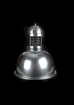 Tempe Sarkıt Aydınlatma Aluminyumdan imal edilmiş olup farklı renk seçenekleri ile üretilmektedir. Isıya dayanıklı porselen duy kullanılmaktadır. Çelik tel yada zincir ile sarkıtılabilir. Diğer Sarkıt aydınlatma ürünleri için