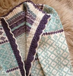 Ravelry Str 6 8 og 10 r Annikofta pattern by Monika Mortensen # Fair Isle Knitting Patterns, Knitting Designs, Knit Patterns, Knitting Tutorials, Stitch Patterns, Motif Fair Isle, Fair Isle Pattern, Knitting For Kids, Hand Knitting
