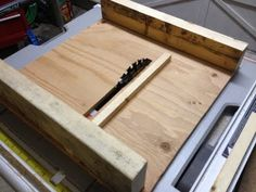 Cut box tail joints into multiple boards for bee hive box - YouTube