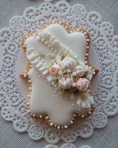 Flower wedding cookie