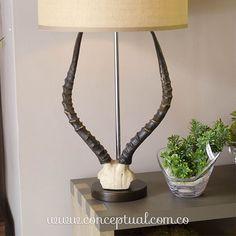 ¡Mucho más que una lámpara! Versátil e innovadora, esta pieza enriquece cualquier espacio. Encuéntrala en www.conceptual.com.co o visítanos en #IndianaMall local 164.