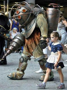 Big Daddy and Little Sister.  Awesome cosplay.