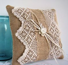 burlap pillow - CUTE FOR VINTAGE CROCHET, BUT WOULD USE WITH LINEN FABRIC.