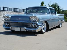 too cool for school! Can't believe I sold mine la… Chevrolet Impala.too cool for school! Can't believe I sold mine last year! 1958 Chevy Impala, Chevrolet Impala, Best Classic Cars, Classic Trucks, General Motors, Volkswagen, Automobile, Cool Old Cars, Ford