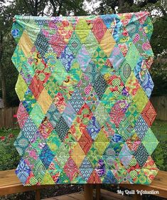 So, here's the deal. You all know I love Amy Butler fabrics, and through no fault of my own, I have amassed quite a hoard of it. Okay, maybe I'm at fault just a little bit. At one time, I probably h