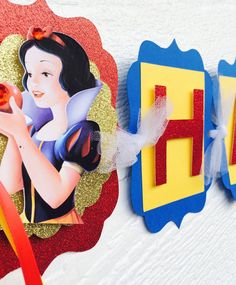 Snow White Birthday Banner Snow White by karlaspartycreations 5th Birthday Party Ideas, 1st Birthday Girls, Birthday Decorations, Party Themes, Birthday Cake, White Candy Bars, Snow White Birthday, White Baby Showers, Disney Princess Party