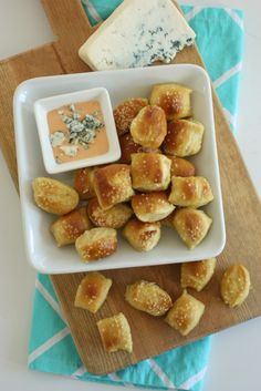 pretzel bites with buffalo blue cheese dipping sauce
