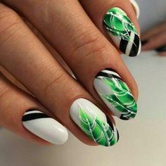 Marine manicure of 11 fashion trends - Fashion Fancy Nails, Love Nails, Pretty Nails, Nail Art Fleur, Ten Nails, Bridesmaids Nails, Nagellack Trends, Nagel Gel, Prom Nails