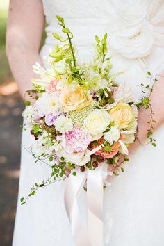 Beeldschone bloemen - elk seizoen heeft z'n kleuren en geuren. Mooi om je bruidsboeket op het jaargetijde af te stemmen!