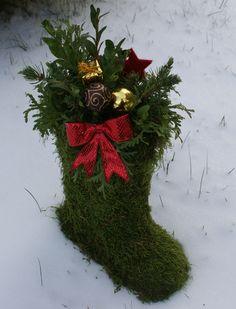 julpyntat stövel Origami Christmas Ornament, Christmas Wreaths, Christmas Crafts, Christmas Decorations, Christmas Ornaments, Holiday Decor, Christmas Place, A Christmas Story, Xmas