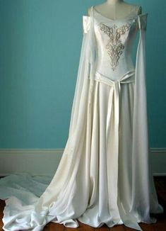 Celtic wedding dress/Lord of the Rings wedding