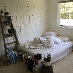 peach-and-peony:  harrisonglazier:  cleanest my room will ever be tbh  Serious room goals