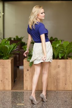 Blogueira Ana Biesdorf: Lindo scarpin cinza para produções elegantes!! Confira: http://bit.ly/1hO8oPq #blog #post #disantinni #anabiesdorf