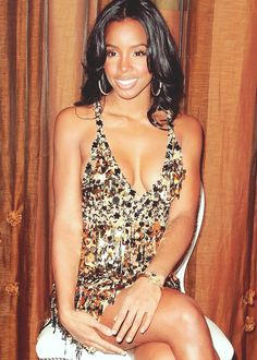 Golden! Kelly Rowland ~ Love this entire look...hair and dress.