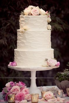 @Lauren Davison Mossien Perfect 3 tier wedding cake, simple and no fondant