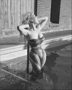 "U.S. Betty Brosmer, 1950s Top Model (an 18"" waist! and all those curves.)"