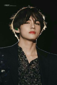 How does someone just stand there staring and, cause us army to become weak in the knees? The power of Kim Taehyung! Bts Taehyung, Bts Bangtan Boy, Taehyung Photoshoot, K Pop, Daegu, Foto Bts, Sunshine Line, Bts Kim, V Bts Cute