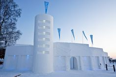 Igloo Villages & Northern Lights Igloos in Finland Lapland Malta, Northern Lights Igloo, Igloo Village, Igloo Ice, Snow Castle, Crazy Houses, Ice Hotel, Lapland Finland, Snow Art