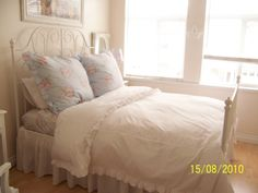 Shabby Chic Bedrooms   White Cottage Chic: A Shabby Chic Bed