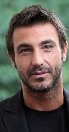 Daniele Liotti, Actor: Juana la Loca. Daniele Liotti was born in 1971 in Rome, Lazio, Italy. He is an actor, known for Mad Love (2001), La herencia Valdemar (2010) and The Final Inquiry (2006).