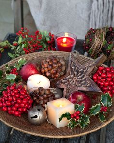My inner landscape: Photo Christmas Tablescapes, Christmas Candle, Christmas Centerpieces, Winter Christmas, Christmas Home, Christmas Wreaths, Christmas Crafts, Merry Christmas, Christmas Decorations