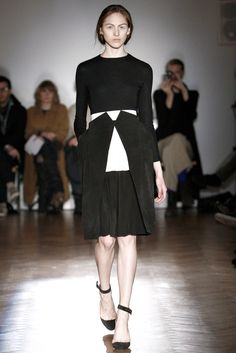 Thomas Tait Fall 2011 Ready-to-Wear Fashion Show
