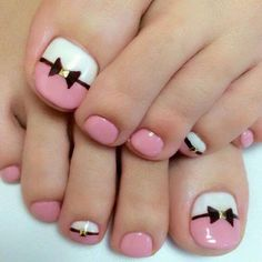 Semi-permanent varnish, false nails, patches: which manicure to choose? - My Nails Simple Toe Nails, Pretty Toe Nails, Cute Toe Nails, Toe Nail Art, My Nails, Pink Toe Nails, Toe Nail Polish, Flower Toe Nails, Grow Nails