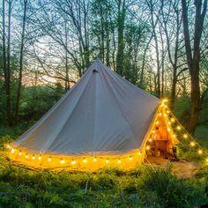 Backyard Camping, Camping Glamping, Camping Hacks, Camping Ideas, Luxury Glamping, Luxury Tents, Kayak Camping, Camping Supplies, Camping Essentials